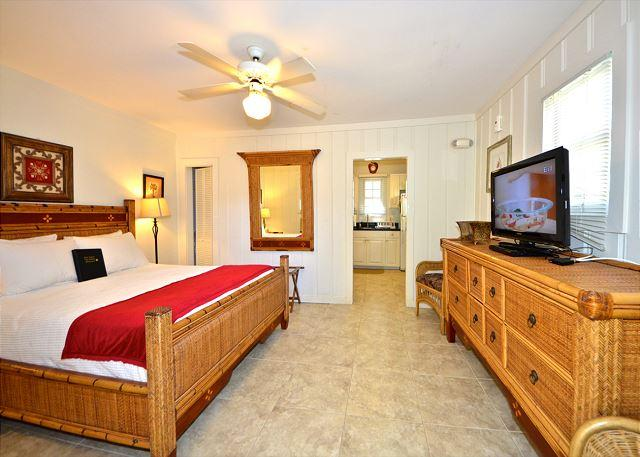"""""""MALLORY SUITE""""  1 Block from Duval St. Great KW Deal - Image 1 - Key West - rentals"""