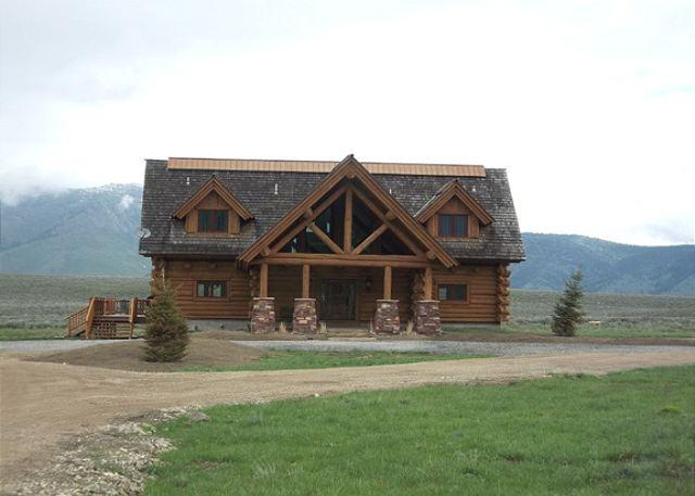Eagles Eyrie - Eagles Eyrie is 3 levels of beautful log cabin with 4 bedrooms and 6 bathroom - Island Park - rentals
