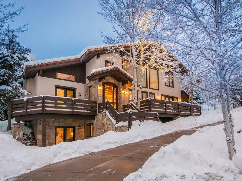 Solamere Mountain Home  - Solamere Mountain Home Located in Deer Valley with Amazing Views and a Private Outdoor Hot Tub - Park City - rentals