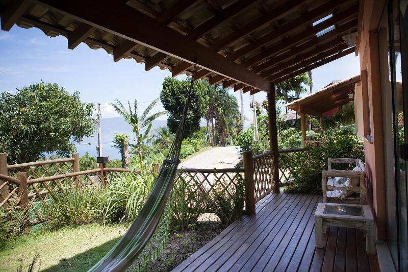 Deck casa Tuim com linda vista p/ o mar - Casa/Chalé de aluguel em Ilhabela - Vila Paulino - Ilhabela - rentals