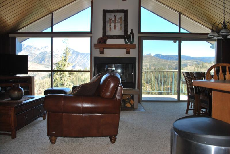 H2 Living/Dining Room View - Ski In / Ski Out Cliff Side Condos - Durango - rentals