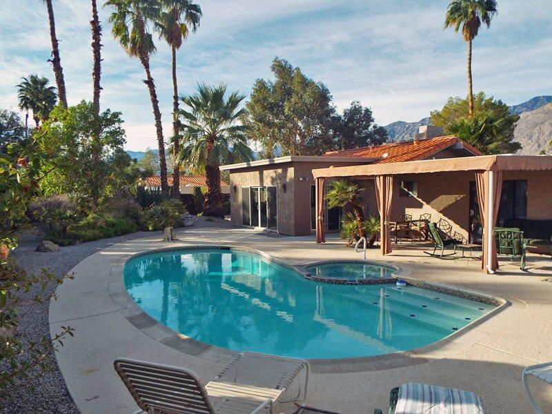 View of Private Pool and Spa with Surrounding Mountains - Burton Way Paradise - Palm Springs - rentals