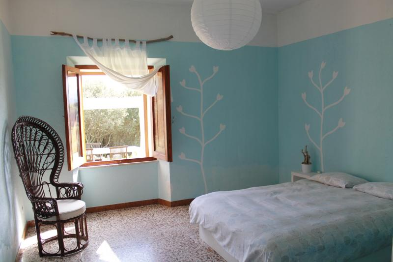 Azzurra double bedroom - Villa with huge garden: quite and fresh - Luogosanto - rentals