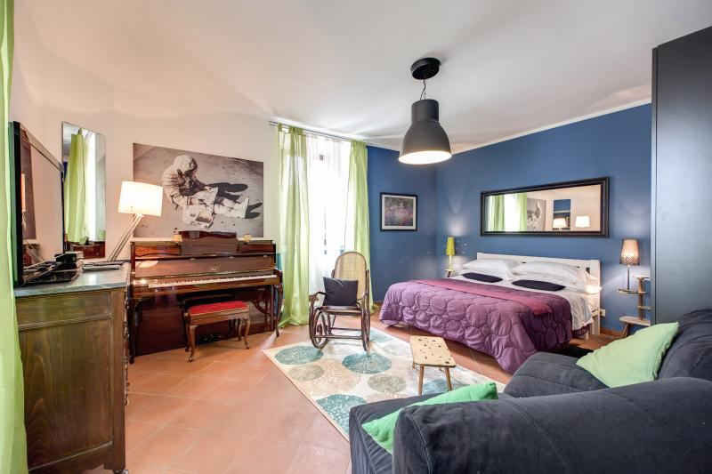Lovely apartment at Trastevere with terrace - Image 1 - Rome - rentals
