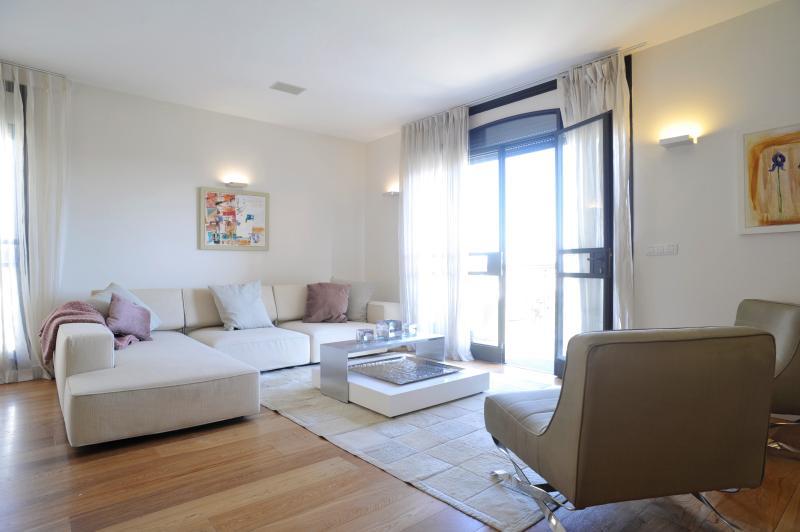 The Akiva Penthouse - Image 1 - Jerusalem - rentals
