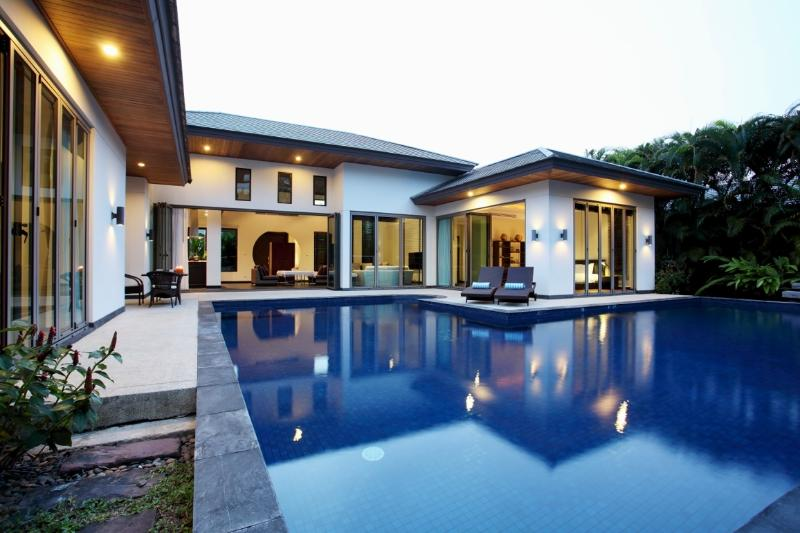 Pool and terrace at night - Family Villa walking distance from Bangtao Beach - Cherngtalay - rentals