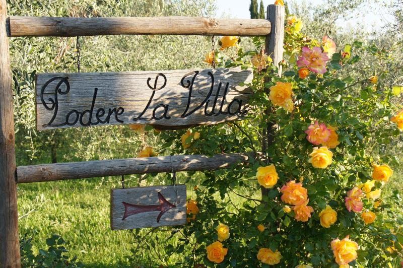 Our sign post in the Spring - Dreamy Tuscan Farmhouse near Florence, Podere la V - San Casciano in Val di Pesa - rentals