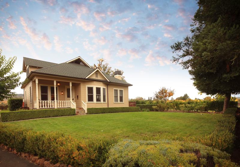 St. Anne's Crossing Winery Guest House - Image 1 - Kenwood - rentals