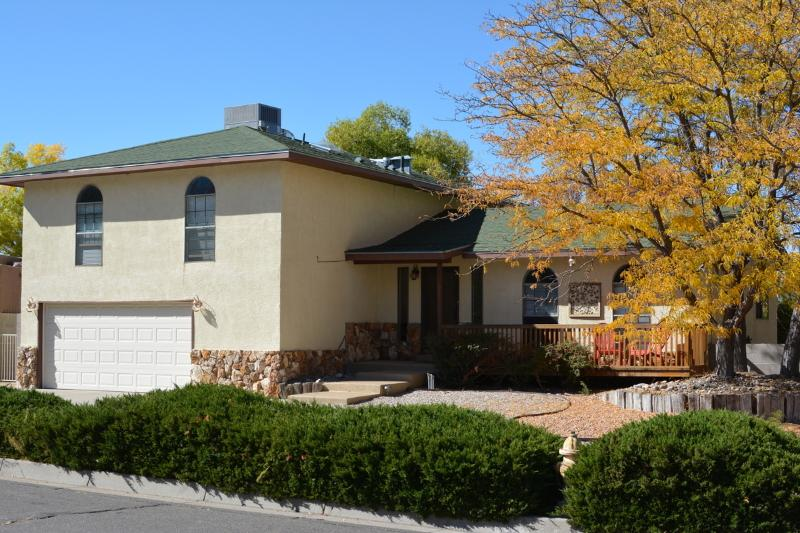 Our Home in Albuquerque - Sandia Foothills Home  Mountain and Sunset Views! - Albuquerque - rentals