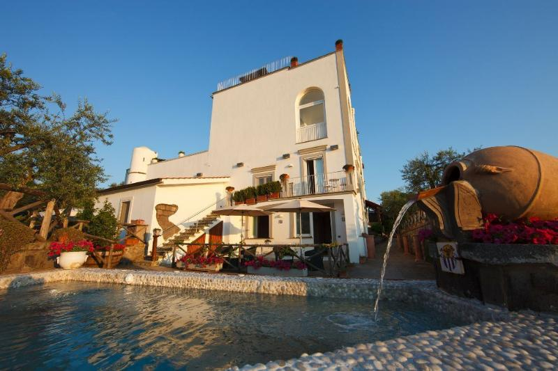 Villa Splendid View - Image 1 - Massa Lubrense - rentals