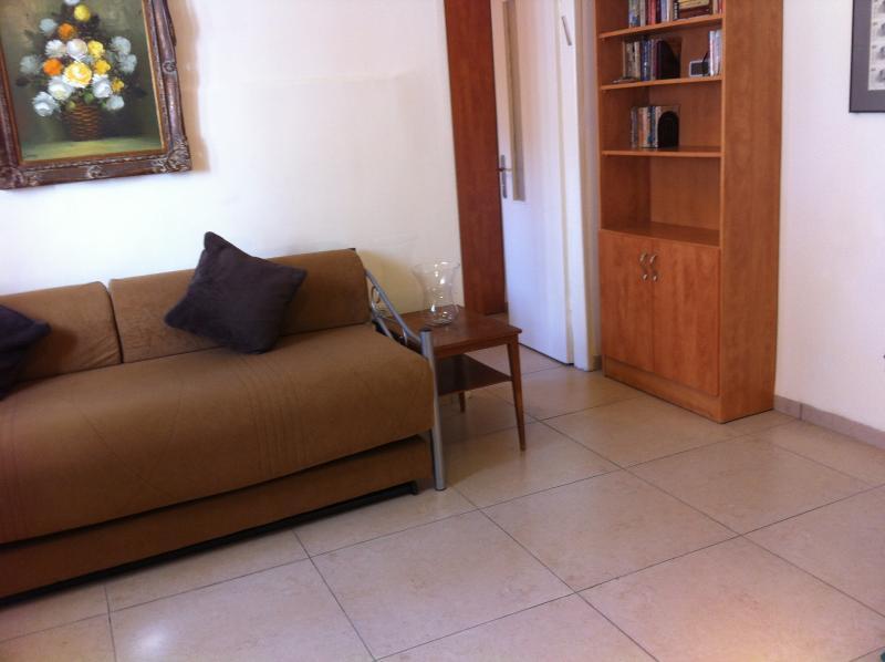 Living Room - Downtown Budget Comfort - Jerusalem - rentals