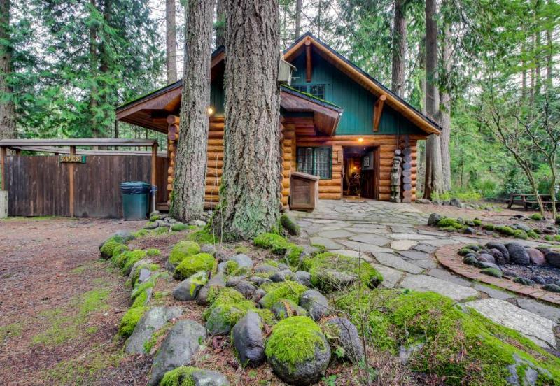 Zoe's Log Cabin - Image 1 - Welches - rentals