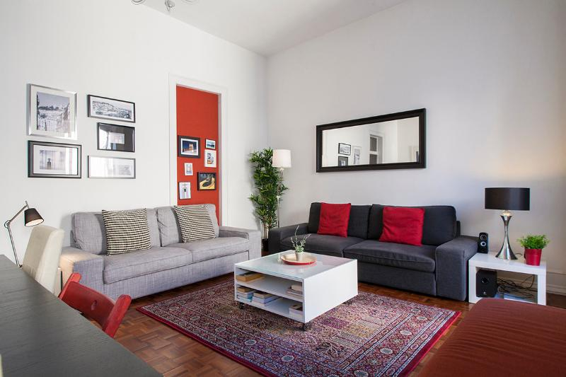 Living Room - Downtown Lisbon, 5 rooms from 1 to 16 people - Lisbon - rentals