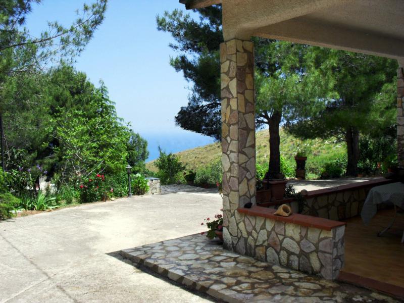 Veranda with sea view - Villa Sarmuci, Sea, Nature, Archeology - Castellammare del Golfo - rentals