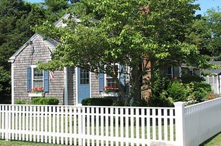 CHARMING COTTAGE COMPOUND IN EDGARTOWN VILLAGE - EDG WHAR-21 - Image 1 - Edgartown - rentals