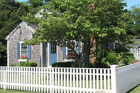 CHARMING COTTAGE COMPOUND IN EDGARTOWN VILLAGE - EDG WHAR-21 - Image 1 - Edgartown - rentals