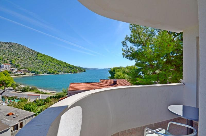 Apartments Jakov - 32601-A3 - Image 1 - Marina - rentals