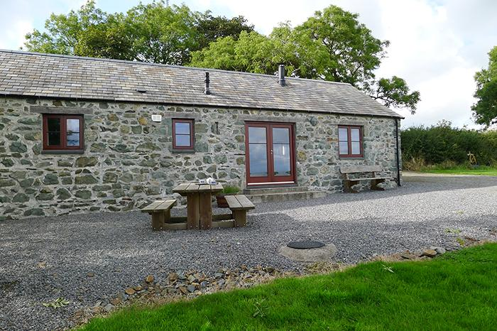Pet Friendly Holiday Cottage - The Old Cowshed, Woodstock - Image 1 - Pembrokeshire - rentals