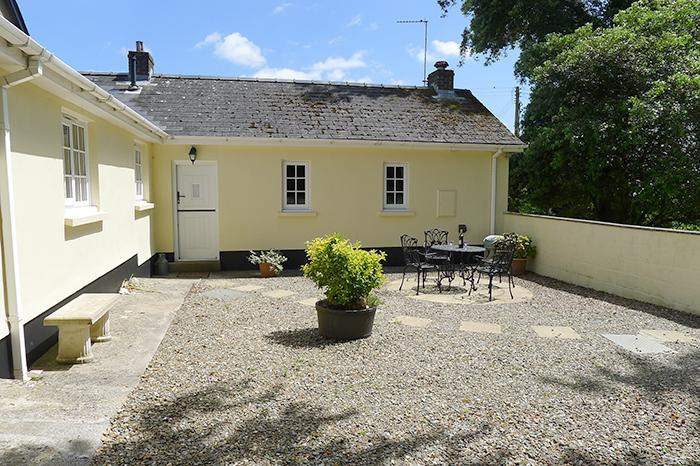 Pet Friendly Holiday Cottage - Salar, Lawrenny - Image 1 - Lawrenny - rentals