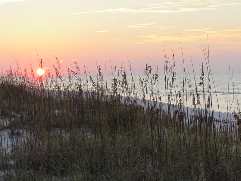 Villas on the Gulf condominium complex is located directly on the Gulf of Mexico - AFFORDABLE, FAMILY. 2 bedroom condo. Beach, pool. - Pensacola Beach - rentals