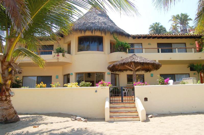 Beach front view of property - Casa de las Estrellas - Beachfront! - San Pancho - San Pancho - rentals