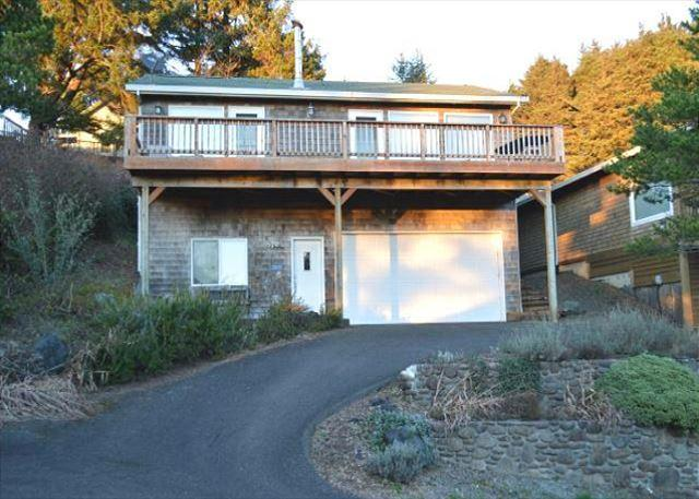 TAKE FIVE oceanview in NeahKahNie Neighborhood of MANZANITA - Image 1 - Nehalem - rentals