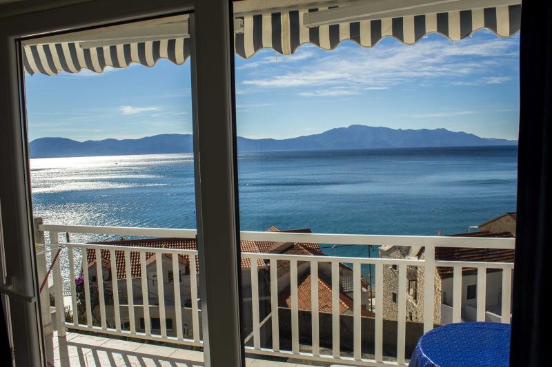 Comfort apartment, 50m far from the sea - Image 1 - Brist - rentals