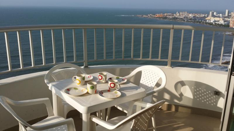 balcony with great ocean view - Rentascartagena 2 Bedroom Oceanfront apartment - Cartagena - rentals