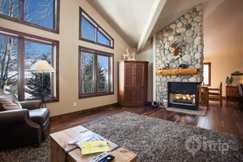 Welcome Home! Enter this wonderful EagleVail Home for a classic Colorado Mountain Vacation. - Deer Blvd 1401 E - Colorado - rentals