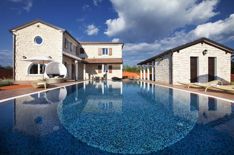 Luxury villa with pool for rent in Istria - Image 1 - Svetvincenat - rentals