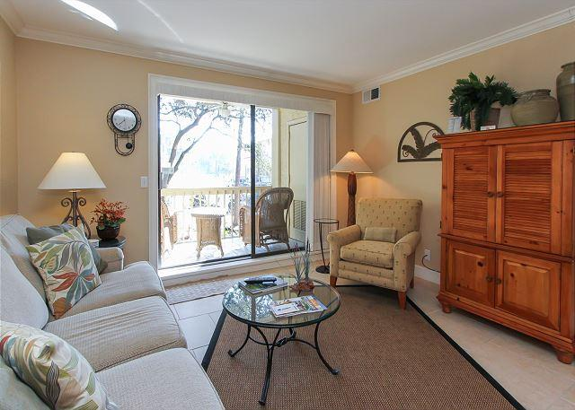 Living Area - 913 Cutter Court-Fully renovated 2nd floor villa & a quick walk to the Marina - Hilton Head - rentals