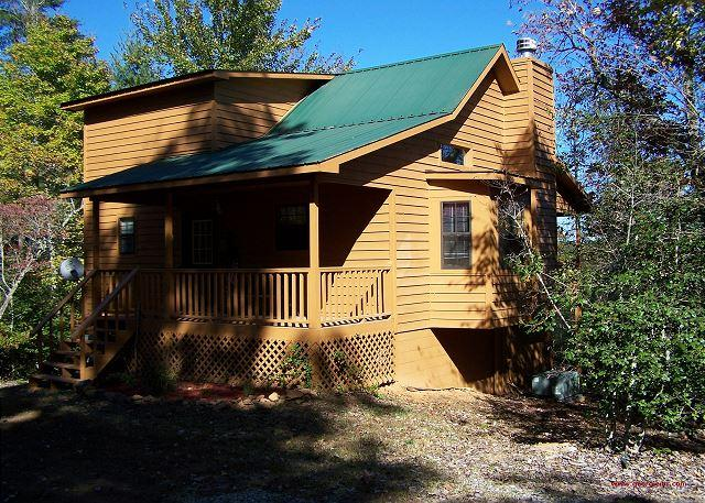 Cherokee Rose is Secluded, Private and Pet Friendly - Cherokee Rose is a Cozy secluded Cabin for a perfect romantic getaway - Blairsville - rentals