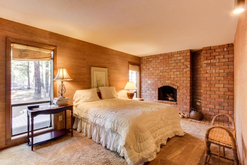 Black Butte Ranch: Glaze Meadow Cabin - Image 1 - Black Butte Ranch - rentals