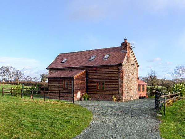 ROSE COTTAGE, family friendly, character holiday cottage, with open fire in Maesbrook, Ref 11319 - Image 1 - Oswestry - rentals