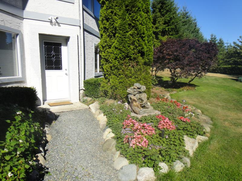 Your own private entrance - Xanadu Estate on Vancouver Island - Cobble Hill - rentals