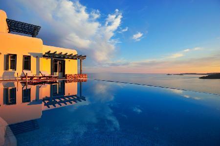 Set above the bay of Agios, Lazaros Morpheus with panoramic views & infinity pool - Image 1 - Tourlos - rentals
