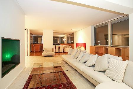 Extraordinary Eiffel Tower and Seine River Views at Stunning Le Panoramique - Image 1 - 15th Arrondissement Vaugirard - rentals
