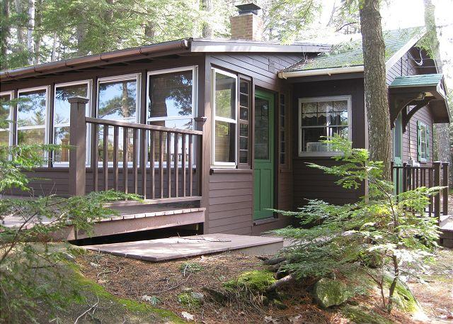 Ext of house - Pristine Cottage Vacation Rental on Lake Winnipesaukee  (CAS89W) - Moultonborough - rentals