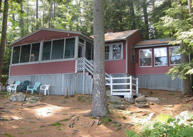 Exterior - Comfortable Lakefront Camp Vacation Rental on Lake Waukewan Sleeps 8 (COL26W) - Center Harbor - rentals
