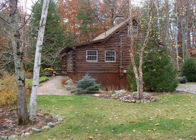 Ext - Sweet Log Cabin Just a Short Walk to Sandy Beach On Winnipesaukee (GRI15B) - Meredith - rentals
