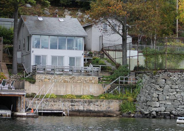 Ext - Waterfront Condo Overlooking Lake Winnipesaukee, Sleeps 8 (BRO85W) - Meredith - rentals