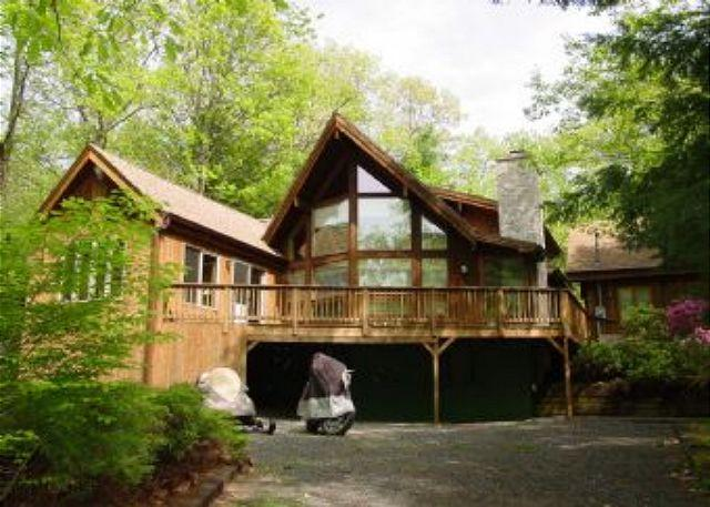 Exterior - Beautiful Beach Access Home in Suissevale on Lake Winnipesaukee (LUG13Bfp) - Moultonborough - rentals