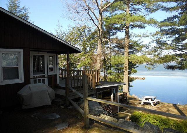 Ext - Waterfront Vacation Cottage in Weirs Beach on Lake Winnipesaukee (SHE9Wf) - Laconia - rentals