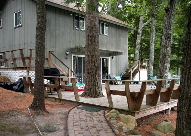 Lake Winnipesaukee Waterfront Vacation Rental on Black Cat Island (POU178W) - Image 1 - Moultonborough - rentals