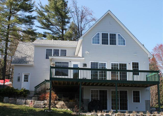 Ext - Waterfront Vacation Rental Sleeps 12 on Lake Winnipesaukee  (LUH207Wa) - Moultonborough - rentals