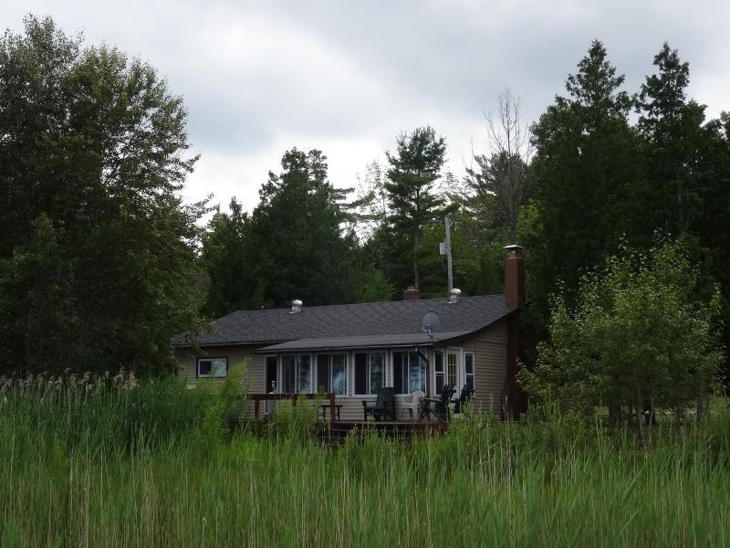 Pretty Lake Cottage - Beachfront on Lake Huron - Pretty Lake Cottage - Harrisville - rentals