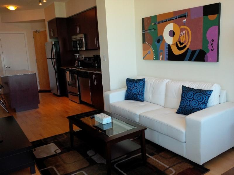 1 Bed + Den Stylish Downtown Condo @ Harbourfront - Image 1 - Toronto - rentals
