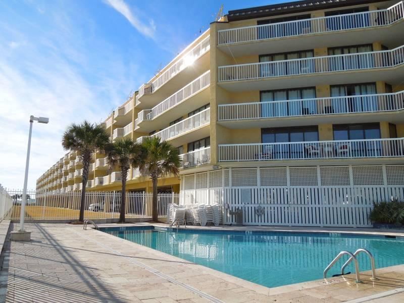 Charleston Oceanfront Villas - Charleston Oceanfront Villas 110 - Folly Beach, SC - 4 Beds BATHS: 3 Full - Folly Beach - rentals