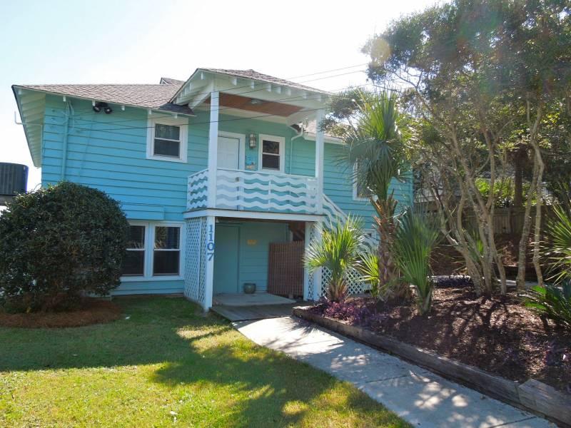 Exterior - Folly Rhodes on the Beach - Full House - Folly Beach, SC - 5 Beds BATHS: 3 Full - Folly Beach - rentals
