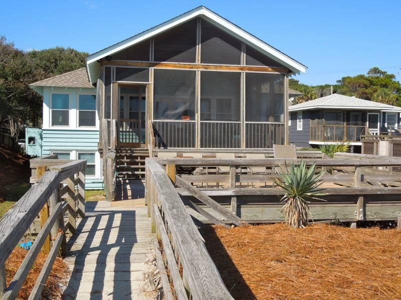 Exterior - Folly Rhodes on the Beach - Upstairs - Folly Beach, SC - 3 Beds BATHS: 2 Full - Folly Beach - rentals